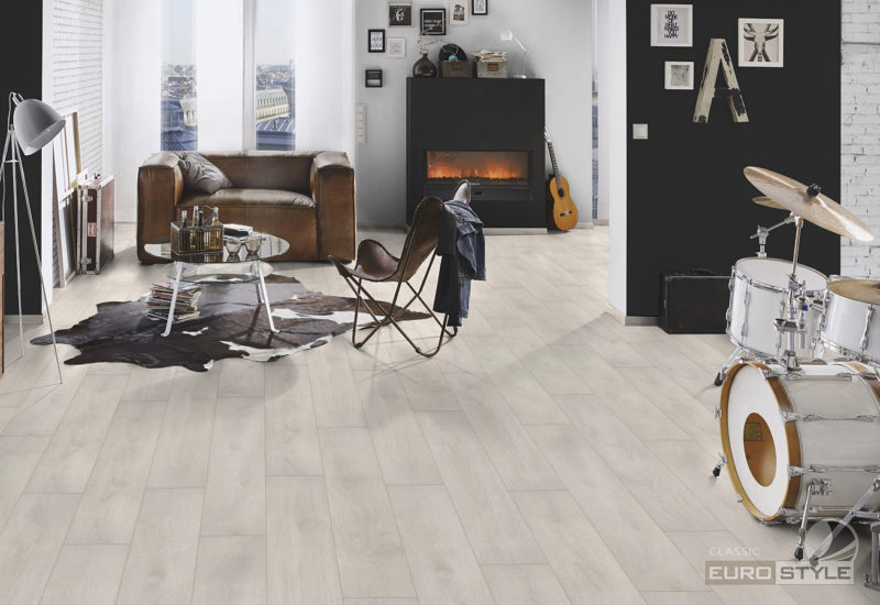 EUROSTYLE Aspen Oak Classic Laminate Flooring