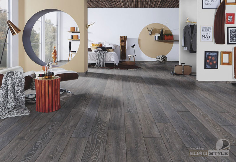 EUROSTYLE Bedrock Oak Classic Laminate Flooring