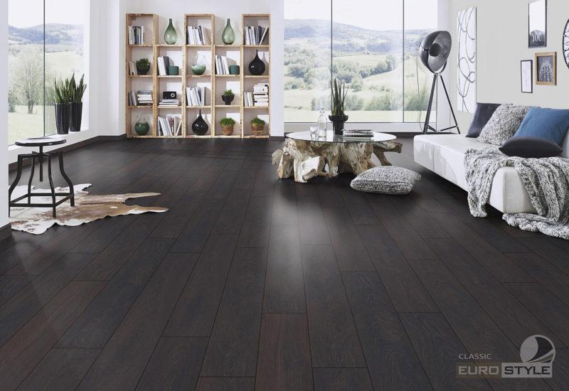 EUROSTYLE Colonial Oak Classic Laminate Flooring