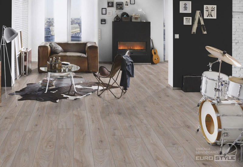 EUROSTYLE Hardy Oak Vintage Longboard Laminate Flooring