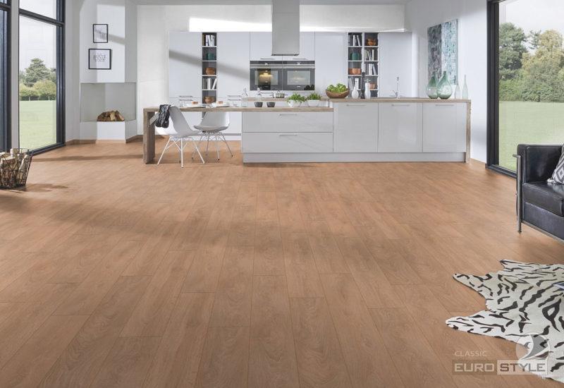 EUROSTYLE Light Brushed Oak Classic Laminate Flooring